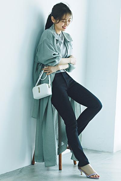 【4/3のコーデ】スリムパンツ × オーバーサイズのトップスが旬バランス♡