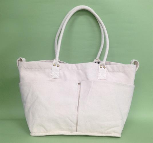 【2】ニトリの白キャンバストートバッグ(M)