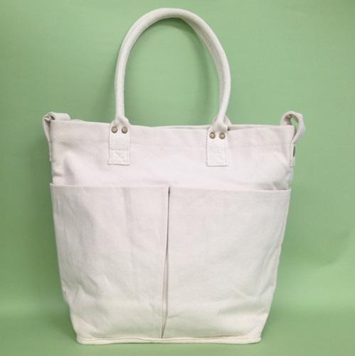 【1】ニトリの白キャンバストートバッグ(S)