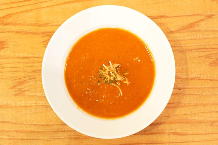 トマトとキヌアのスープ