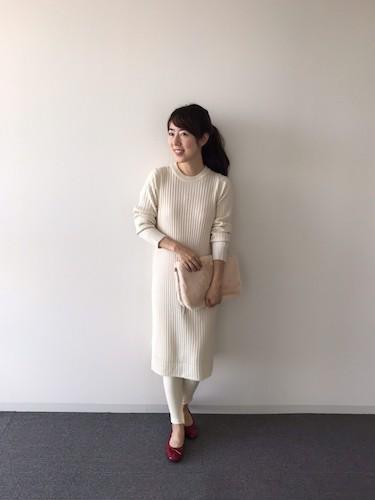 【2】白ニットワンピース×レギンス